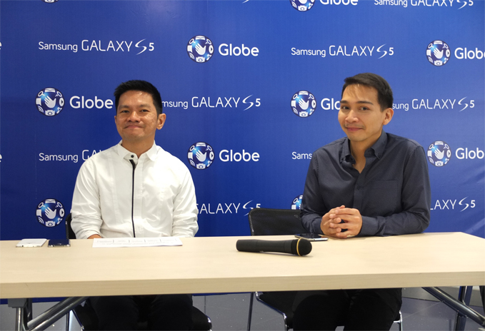 Raul Macatangay of Globe and Coco Domingo of Samsung Philippines