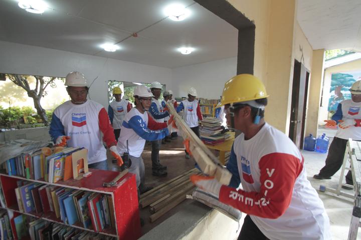 Four schools benefit in simultaneous P1M Chevron Brigada Eskwela