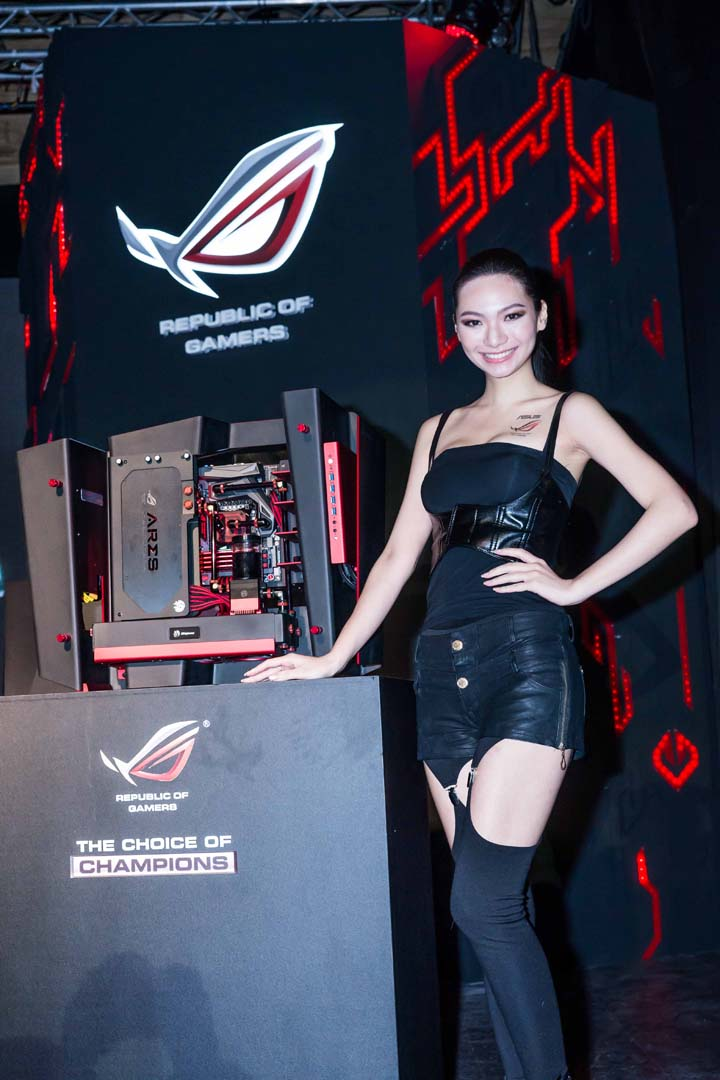 Ultimate water-cooling build_ Ares III graphics card and Maximus VII Formula motherboard