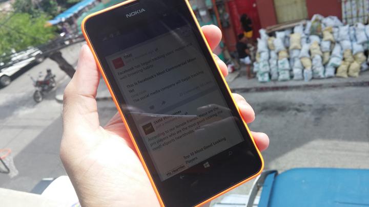 Nokia-Lumia-630-Outdoors