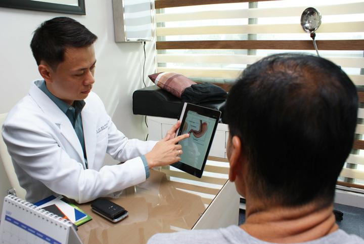 Gastroenterology specialist Dr. Darwin Uy of Metro North Medical Center