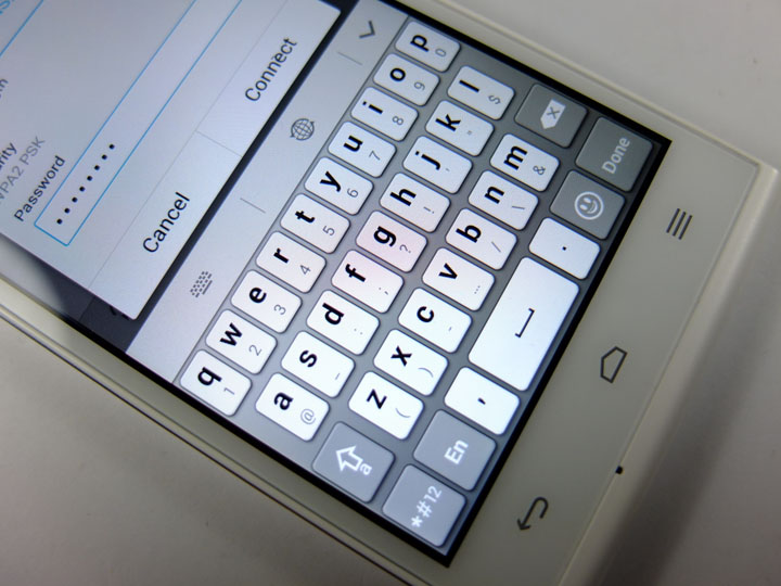 Huawei Ascend G6 Review Keyboard