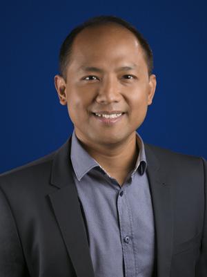 Ken Lingan (Google PH Country Manager 120114)