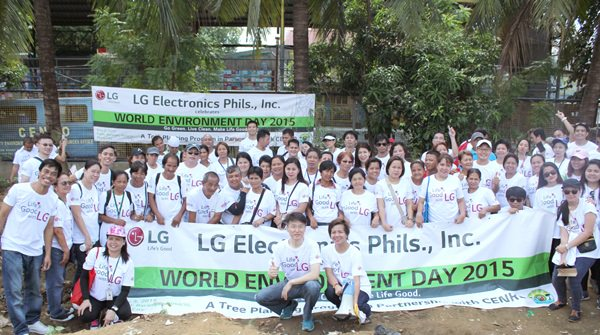 Go Green. Live Clean. Make Life Good. In honor of World Environment Day, LG Electronics Philippines (LGEPH) teamed up with the City Environment and Natural Resources (CENRO) for a bamboo tree planting program in Putol na Ilog, Barangay Rosario, Pasig City. Seen in the photo are LGEPH Managing Director Mr. Sung Woo Nam and CENRO Head Ms. Raquel Austria-Naciongayo (front and center) with their volunteer employees. Bamboo trees will help not only beautify Barangay Rosario, but also prevent soil erosion, promote soil stabilization, control water build-up and floods and mitigate global warming. Prior to the tree planting session, LG employees also helped clean up the debris surrounding Putol na Ilog which were dug up from the dredging activity in the Pasig River.