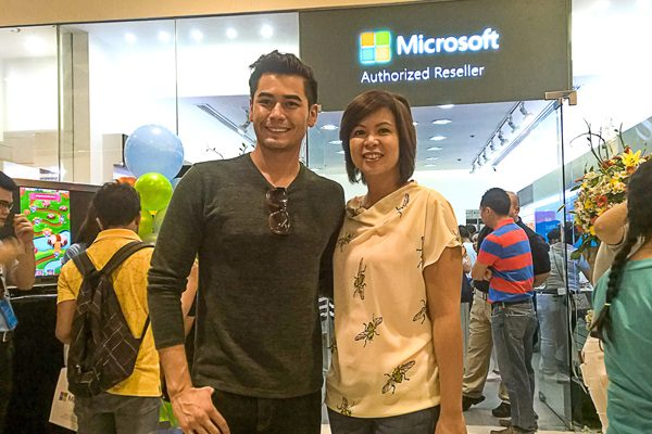 Fabio Ide (left) with Karrie Ilagan, Microsoft Country GM Philippines