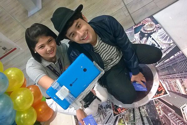 TV personality, Fifth Solomon (right) takes a selfie with the Lumia 640 XL