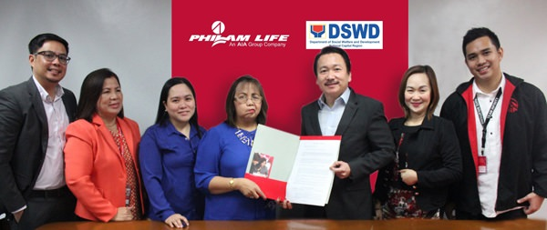 Photo shows (from left): Philam Life Head of Agency Employee Benefit Sales Paul Michael de Jesus, Philam Life Bulacan East Agency Manager Leonila Santiago, DSWD SWO-4IDD Chief Ada Colico, DSWD NCR director Ma. Alicia Bonoan, Philam Life Head of Corporate Solutions Sales Erwin Go, Philam Life Financial Advisor Rosyline Dimaunahan and Philam Life Corporate Sales Executive Radjan Dale Santos.