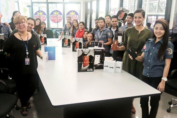 LG turns over 10 smartphones to the MMDA Digital Team during Metro Manila Shake Drill