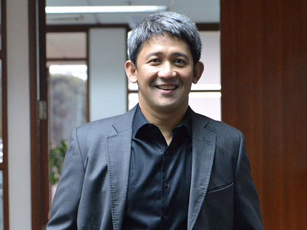 PLDT and Smart EVP and Consumer Business Group Head Ariel P. Fermin