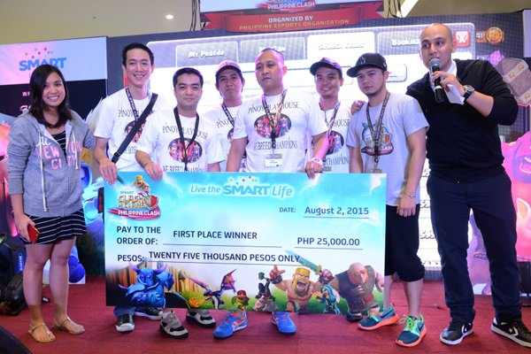 Pinoy Playhouse bagged the top prize in the Metro Manila leg of Philippine Clash 2015, the country's biggest Clash of Clans (CoC) tournament mounted by Smart in partnership with Philippine eSports Organization and the Philippine Clash of Clans Battleground, the largest community of competitive CoC gamers. The winning clan is composed of (second from left): Davin Tapang, Nathan Simbulan (Clan Leader), Mark Alvynn Raymundo, Rene de Guzman and Francis Dave Jadulco.