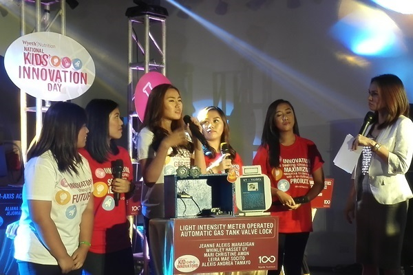 Wyeth Nutrition National Kids Innovation Day Jeanne Alexis Marasigan, Whinley Hasset Uy, Mari Christine Amon, Leira Mae Socito and Alexis Andrea Tamayo1