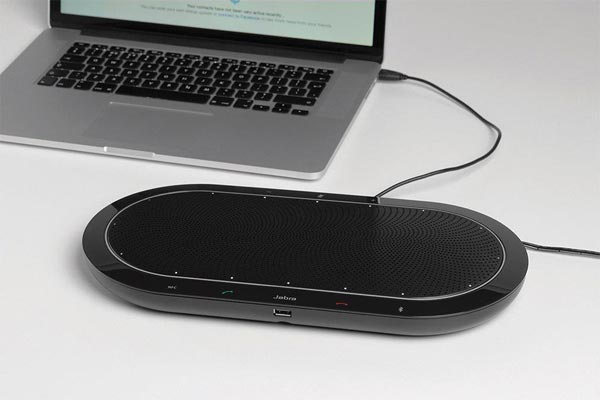 Jabra_Speak_810_laptop