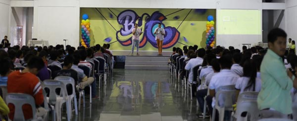 Around 750 teachers, students, IT professionals, and enthusiasts attended the seminars facilitated by Ateneo De Naga ICTC and Power Mac Center.