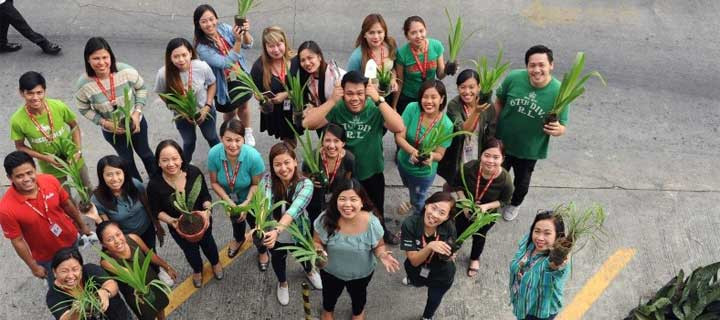 Philippines AirAsia goes #GREEN24