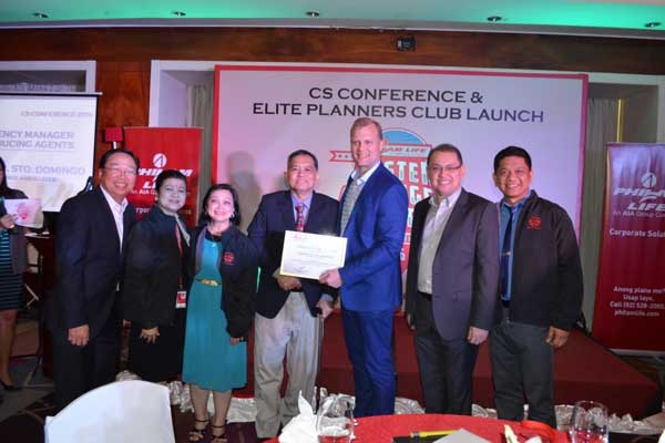 (From Left:) Philam Life's Head of Corporate Solutions (CS) Gerry Cariaso, Chief Agency Officer Anagel Ledesma, Portia Sto. Domingo, Top CS Agency Manager in Producing Advisors Josefino Sto. Domingo, CEO Axel Bromley, Guest Speaker Rex Mendoza and Unit Manager Michael Manabat.