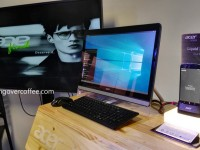 """Acer Liquid Jade Primo bundle – a Windows phone that """"becomes"""" a PC, just add a monitor"""