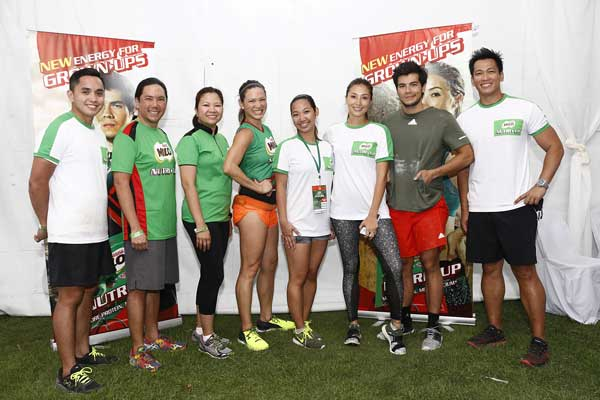 (From left to right ) Robbie de Vera (MILO Philippines Sports Marketing Manager), Paolo Mercado (Senior Vice President and Director of Communication & Marketing Services of Nestle Philippines) , Ellen Grace Isturis (Team Lead, MILO Philippines), Coach Toni Saret, Nikki Librada Del Gallego (Consumer Marketing Manager, Nestle Philippines), Solenn Heussaff, Erwan Heussaff, and Coach Jim Saret led the MILO NUTRI UP FITCON, the biggest gathering of the top organizations and names in fitness.