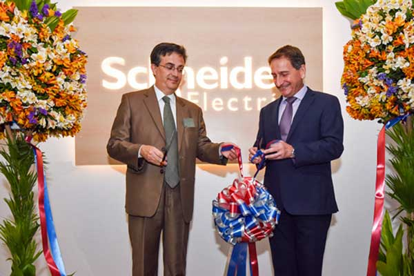 Schneider Electric celebrates 20 years in the Philippines with unveiling of new Customer Lounge