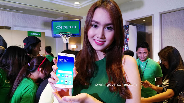 The OPPO F1 Plus Selfie Expert Phone is Awesome!