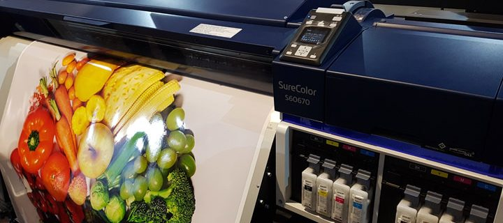 Epson Philippines unveils the state-of-the-art S-Series Signage Printers at the Graphic Expo 2016