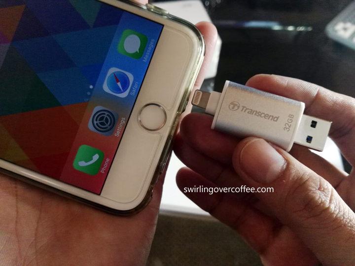 Transcend JetDrive Go 300S Lightning / USB 3.1 32GB Flash Drive Review
