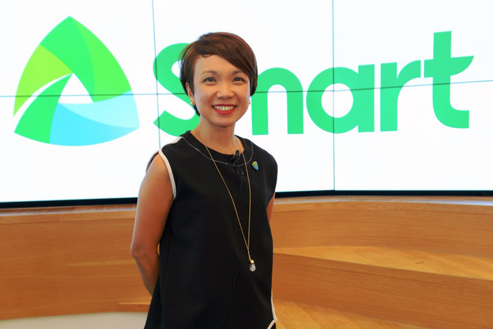 Kathy Carag, Smart Mobile Marketing Head, announces the Giga Plans of Smart Postpaid, and the bigger and faster data plans of Smart Bro, among other new offers.