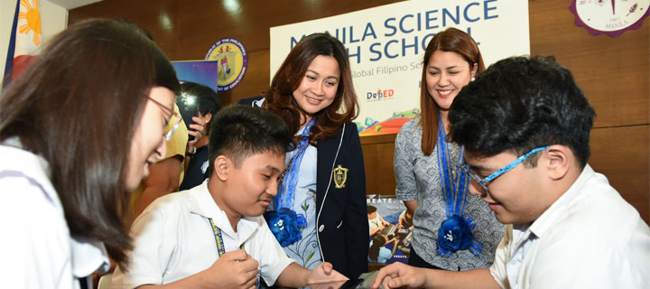 Globe equips Manila Science HS with 21st Century classroom