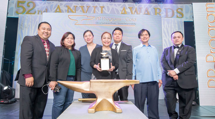 PLDT-Gabay-Guro-was-lauded-for-its-2016-campaign-and-TeacherFest-tribute-event-at-the-recent-52nd-Anvil-Awards.
