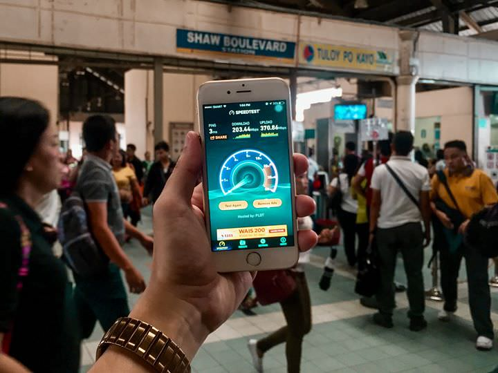 Smart's FREE WiFi along EDSA to benefit MRT daily commuters and passengers of vehicles along EDSA