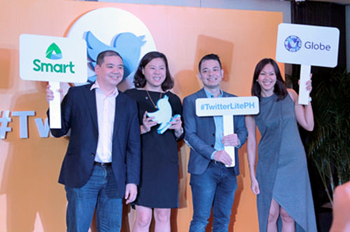 From left to right: Harvey Libarnes (Smart Communications VP, Digital Products and Partnership), Tina Pang (Twitter SEA Head of Sales), Dwi Adriansah (Twitter SEA & Australia Head of Business Development), Popo Yambao (Globe Telecom Prepaid Brand Director)