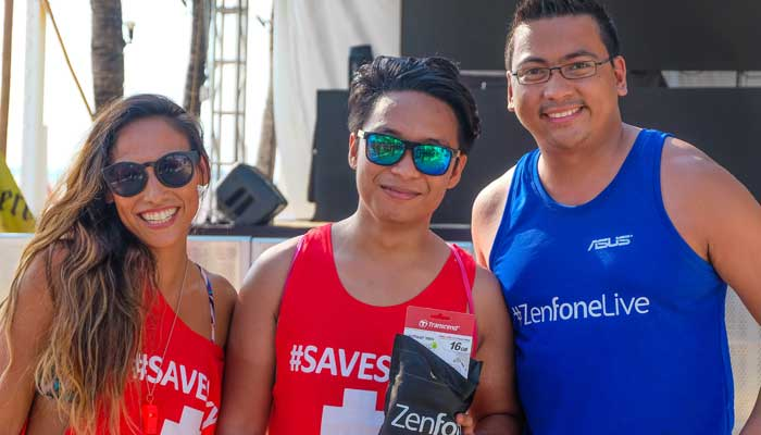 Representatives from The Red Whistle with Mike Santos (rightmost), Product Marketer of Zenfone