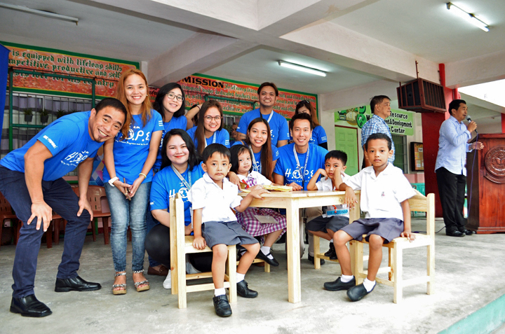 Ingram Micro Global Shared Services – Manila commits to help shape a better future for Filipinos through H.O.P.E. Adopt-a-School Program (ASP), where partner schools receive a variety of support including facility renovation, Computer Literacy Program for teachers, and Learn & Play activities for students. Last July 20, the associates led by Director Dindo Gatan (far left) turned over tables and chairs to Eusebio C. Santos Elementary School in Taguig City, the first partner school under ASP.
