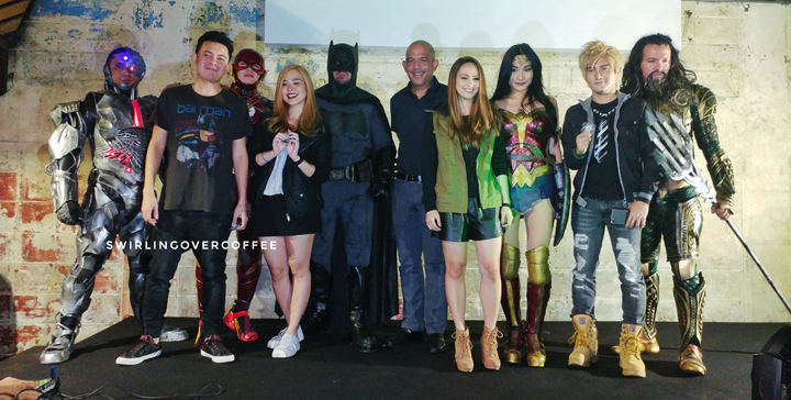 Left to right: Cyborg, Paolo Valenciano, The Flash, Saab Magalona, Batman, Jose Victor Paterno (President and CEO of Philippine Seven Corporation, the licensee of 7-elven), Eunice Jorge, Wonder Woman, Liui Aquino, and Aquaman.