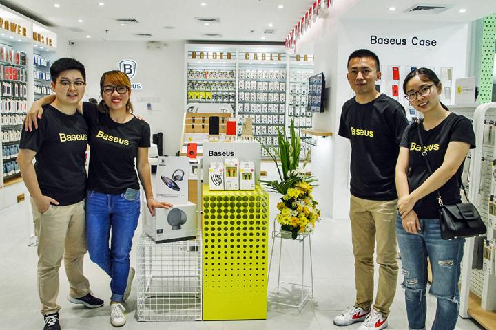 L-R: Nickary Dai ,Vivian Wong, Brian Wong, and PingPing Yant.