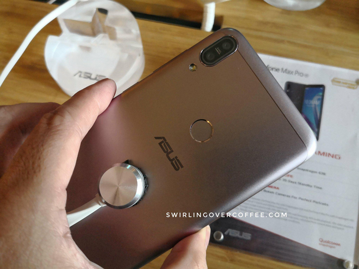 The ASUS ZenFone Max Pro M1 ZB601KL (with 5,000 mAh battery, dual rear cameras for bokeh, Snapdragon 636, Adreno 509 GPU, and 3GB RAM - it's awesome for gaming) will be available online exclusively on Lazada this June 25 for P9,995.00.