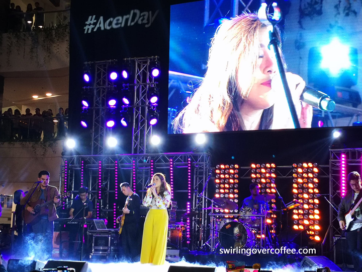 Moira dela Torre performs at Acer Day 2018.