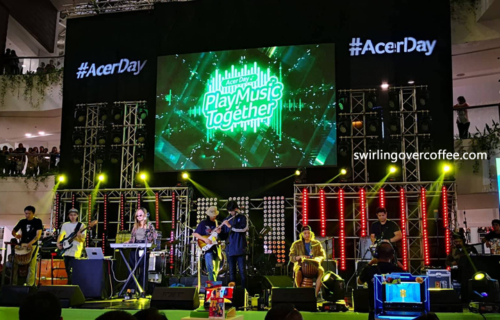 IV of Spades performs at Acer Day 2018.