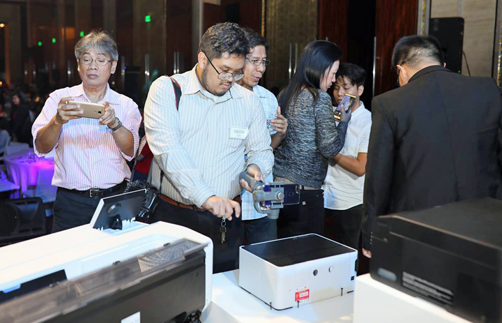 Epson Philippines unveiled today its latest innovations to its trade partners and the media as it holds this year's 'Grand Launch: Innovations that Dominate' at the Grand Hyatt Hotel in BGC, Taguig City.