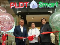 PLDT and Smart unveil flagship store  in Makati CBD