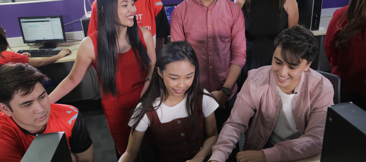 MayWard surprises fans and PLDT customers as Customer Care agents on Twitter