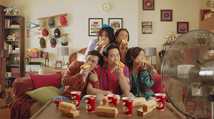 Joshua Garcia is back with another Jollibee #TodoSarap commercial!