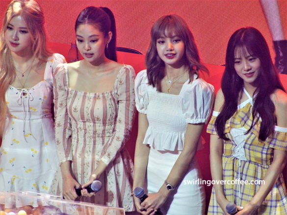 The Shopee x BLACKPINK Meet and Greet event held at SM Samsung Hall, BGC, Taguig City, featured performances from local artist and performer, Dasuri Choi. Consumers who attended were treated to a night of fun activities, exciting draws, and giveaways including signed BLACKPINK CDs and Shopee gift certificates.