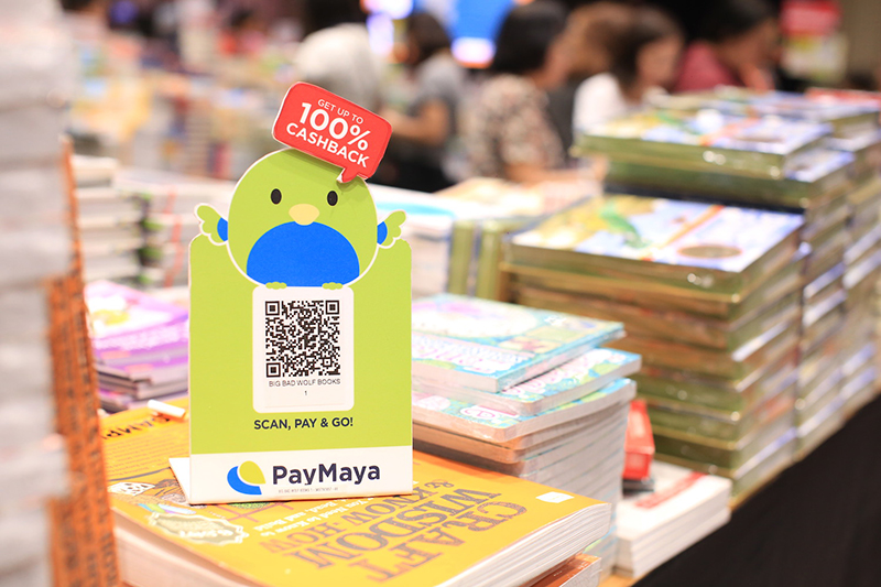 Get the best deals on books plus loads of treats and cashback offers only with PayMaya at the Big Bad Wolf Book Sale Pampanga!
