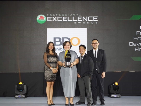 """BDO Unibank was bestowed the Award of Excellence for a TV documentary that tackled its """"We Find Ways"""" philosophy and how it transformed the lives of Filipinos and contributed to nation-building, among others, at the recently held 17th Philippine Quill Awards of the International Association of Business Communicators (IABC) Philippines."""