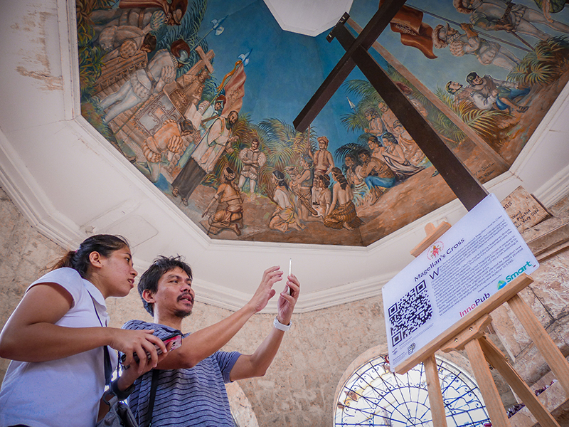 Digital historical markers unveiled at Cebu Basilica, Magellan's Cross