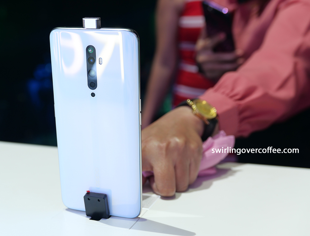 OPPO Reno2 F Square Pop up camera