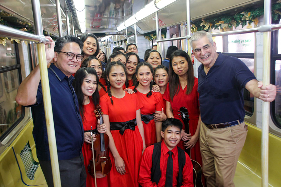 LRMC Debuts 'Feel at Home' LRT-1 Christmas Train for the Holidays