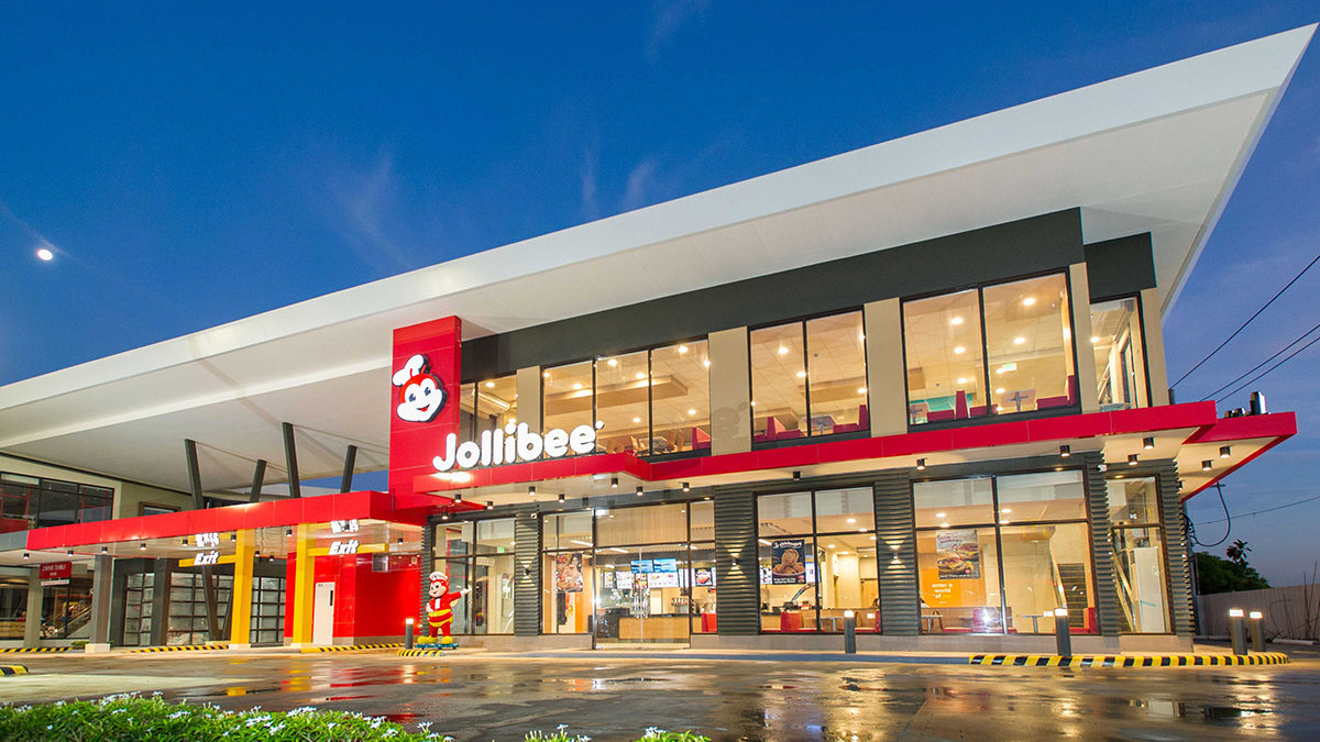 Jollibee Opens New Level up Joy Store in SLEX With First Ever Dual Lane Drive Thru in the Country