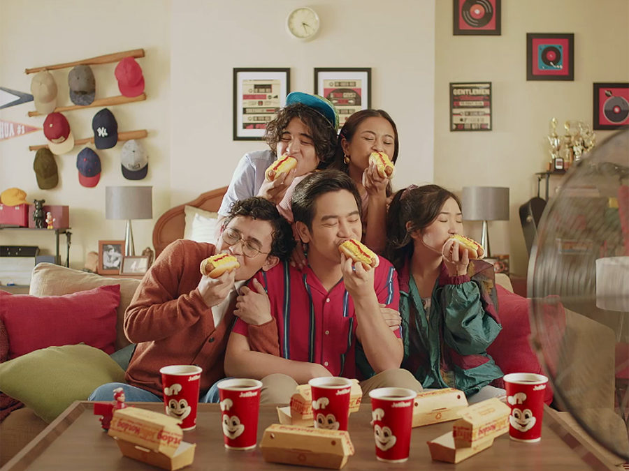 "Look Back at All the Jolly Hotdog ""Todo Sarap"" Ads From the Year!"