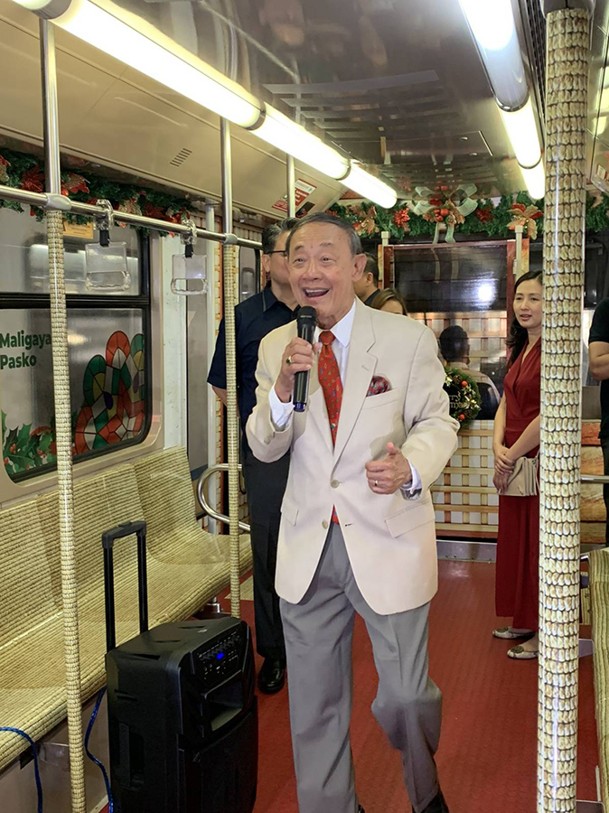 Jose Mari Chan brings the spirit of Christmas in our hearts